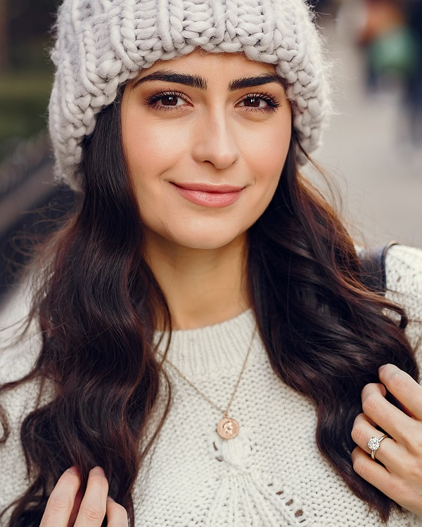 Healthy woman wearing white hat